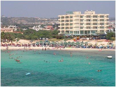 kuva Agia Napa uimaranta Kypros hiekkaranta loma matka