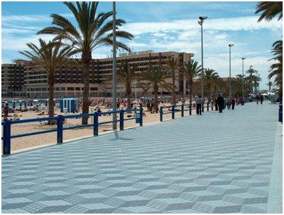 kuva Espanjan loma Alicanten matka kävelykatu Costa Blanca