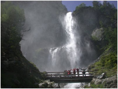 kuva Alpit Bad Gastein vesiputous Hohe Tauernin kansallispuisto vaellus loma matka Itävalta
