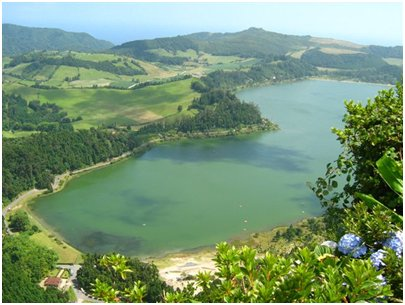 Azorit matka - Lagoa das Furnas - laguuni São Miguelin saarella