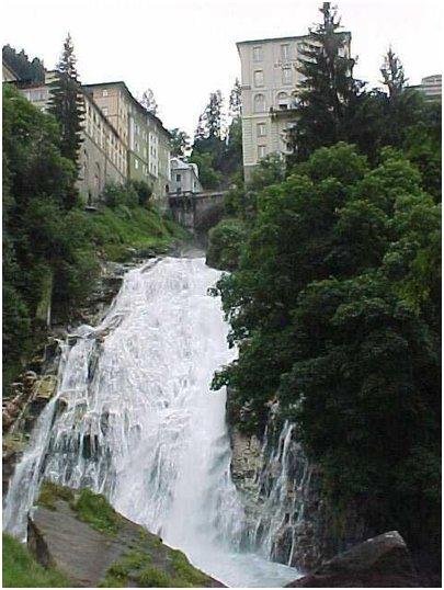 Gasteiner vesiputous Bad Gastein Itävalta loma kuva Alpit loma matka