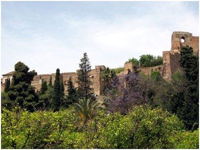 Malaga Alcazaban linnoitus Costa del Sol aurinkorannikko loma matka