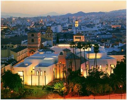 Málaga Pablo Picasso museo Costa del Sol aurinkorannikko loma matka