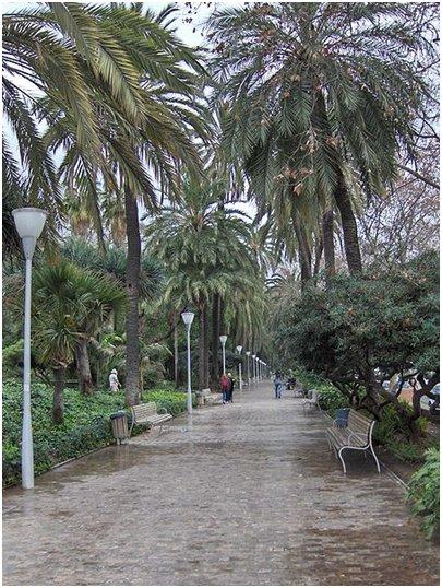 Parque de Málaga Costa del Sol aurinkorannikko loma matka