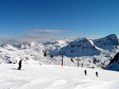 kuva Obertauernin hiihtokeskus Itävallan Alpit