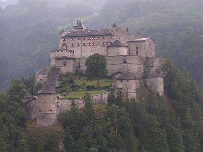 Hohenwerfen linna - Itävallan Alpit