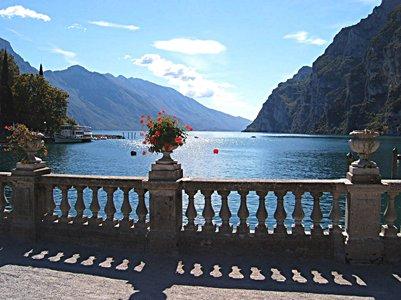 Kaunis rantapromenadi - Riva del Garda - Gardajärvi