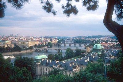 Praha sijaitsee Vltava-joen varrella T�ekiss� kuva loma matka