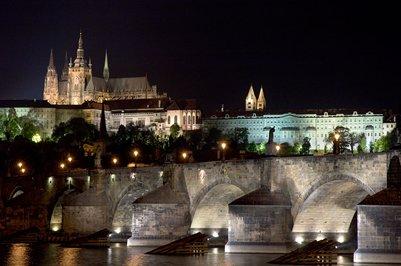 Prahan linna ja Pyhän Vituksen katedraali Tšekki matka