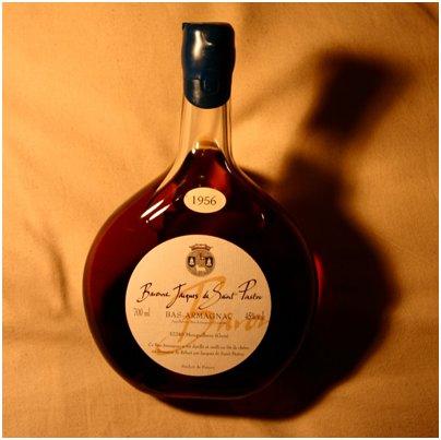 kuva Ranska Pariisi armanjakki viina pullo tuliainen loma matka Ranska